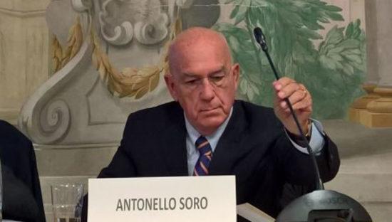 Antonello Soro bacchetta Facebook 'Si metta in regola o gli affari crolleranno'