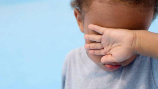 Foto dei minori sul web, scattano le sanzioni per i genitori (fino a 10mila euro)