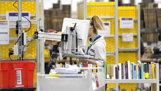 Covid-19, Amazon e il monitoraggio dei lavoratori via software