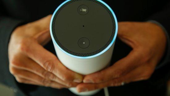 Alexa, i dipendenti di Amazon ascoltano e trascrivono le registrazioni degli utenti